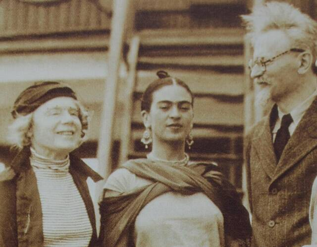 natalia-frida-and-leon-trotsky-disembarking-the-ruth-jan-1937